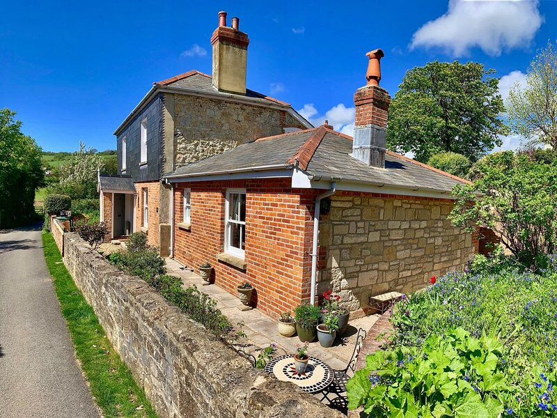Little Clatterford a little romantic retreat in stunning countryside., holiday rental in Brighstone