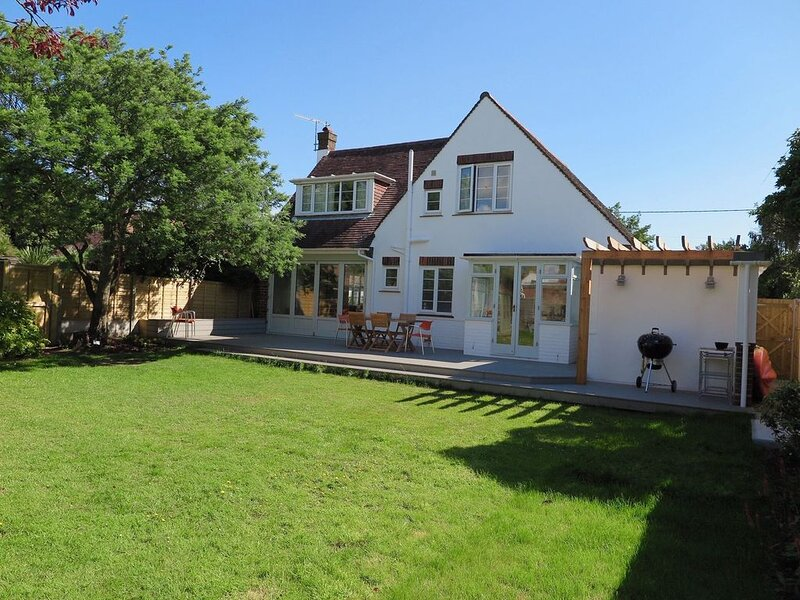 Chantries beach paradise for all, vacation rental in Bembridge