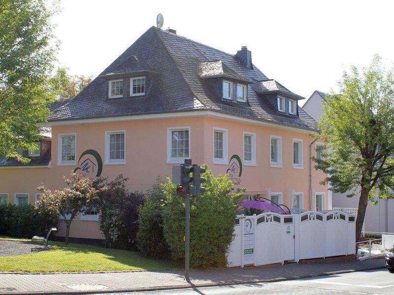 Ferienhaus Daun (Stadt) für 1 - 14 Personen mit 5 Schlafzimmern - Ferienhaus, holiday rental in Berenbach