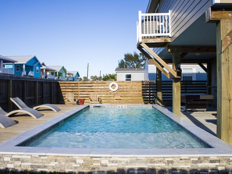 SS1720: Large Home, Private Pool, Outside Entertaining, Golf Cart Accessible, vacation rental in Port Aransas