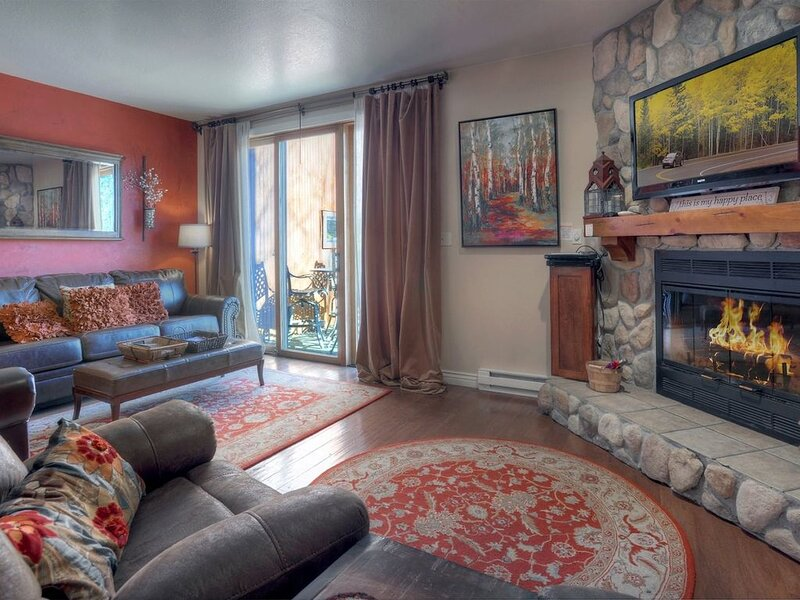 Mountain Rendezvous Condo Near Purgatory Resort, holiday rental in Durango Mountain