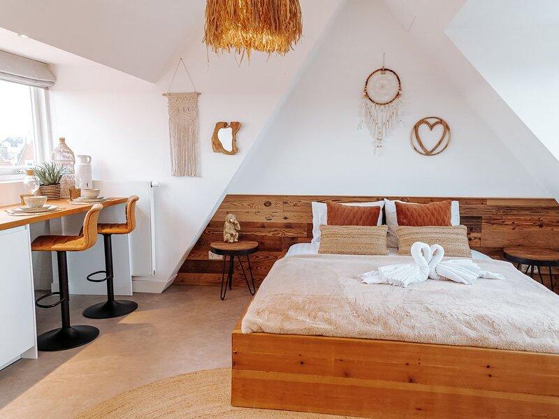 Bamboa Studio steps away from the beach, vakantiewoning in Zandvoort