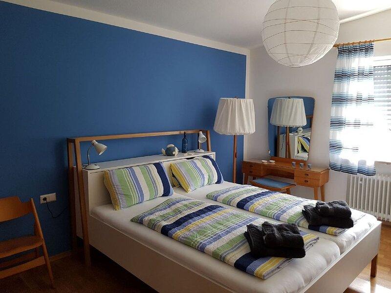 Großzügiges 4-Sterne Ferienhaus mit moderner Ausstattung in direkterFlusslage-, location de vacances à Adelsried