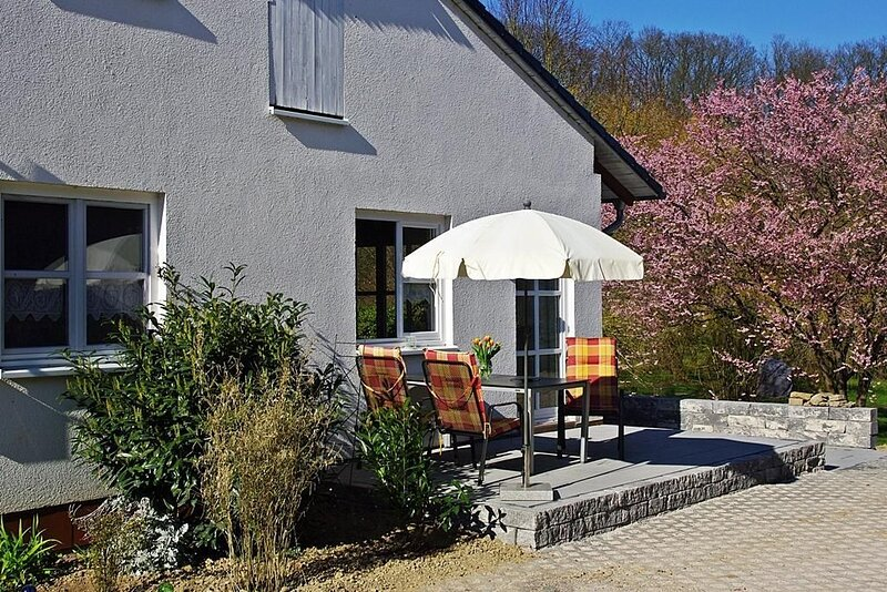 Ferienwohnung Unzenberg für 1 - 4 Personen - Ferienwohnung, vacation rental in Sohren