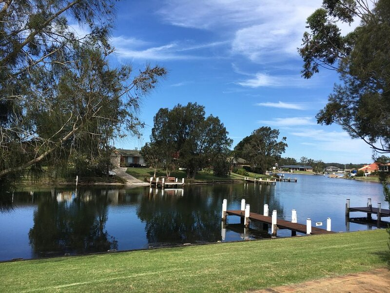 The Mooring's Waterfront, vacation rental in Wandandian