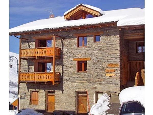 Ferienhaus Les Granges für 24 Personen mit 10 Schlafzimmern - Ferienhaus, holiday rental in Levassaix