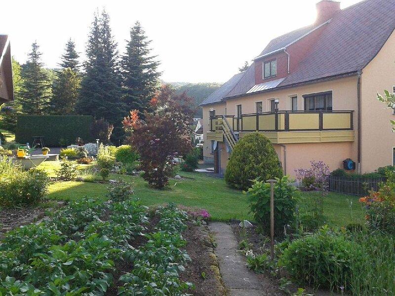 Ferienwohnung Glashütte für 1 - 3 Personen mit 1 Schlafzimmer - Ferienwohnung, vacation rental in Lauenstein