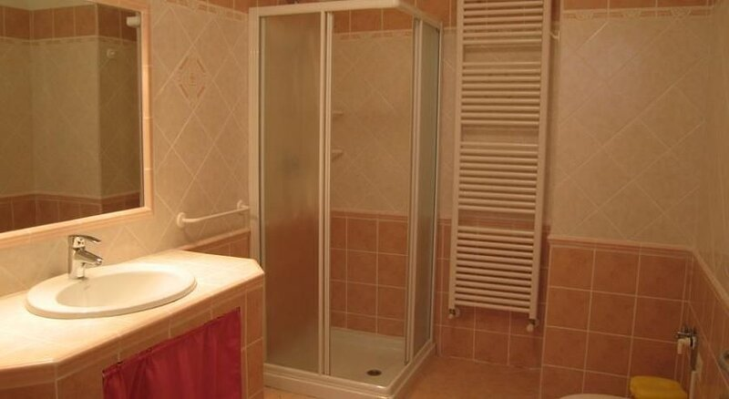 Ferienwohnung Tiarno di Sotto für 1 - 5 Personen mit 2 Schlafzimmern - Ferienwoh, vacation rental in Tiarno di Sotto