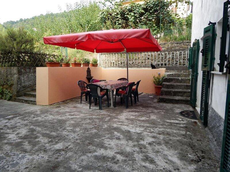Ferienhaus Follo für 1 - 6 Personen mit 3 Schlafzimmern - Ferienhaus, location de vacances à Montedivalli Chiesa