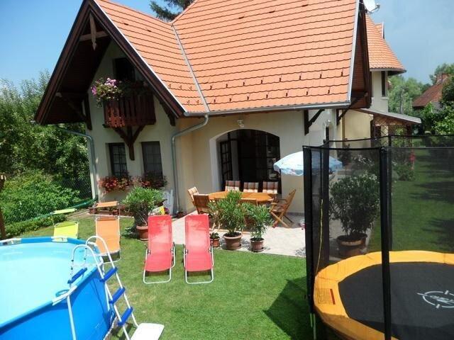 Ferienwohnung Balatonföldvár für 1 - 8 Personen mit 3 Schlafzimmern - Ferienwohn, vacation rental in Somogy County