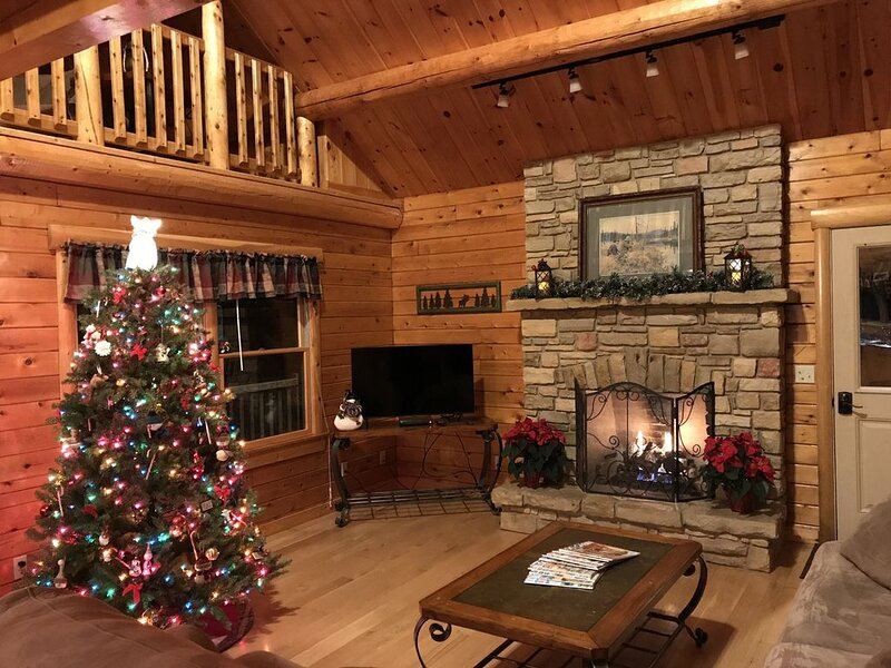 Cedar Ridge Log Home located near Brookville Lake Recreation Park, holiday rental in Butler County