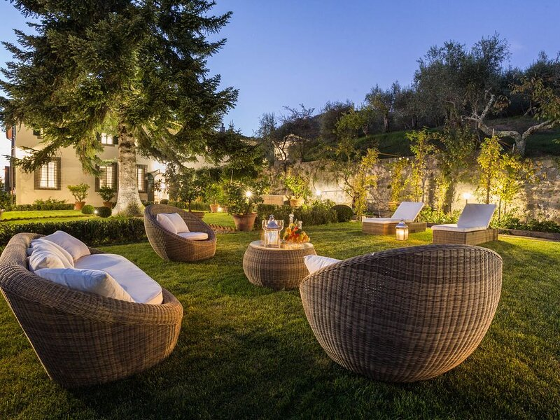 VILLA VALGIANO a Tuscan Country House among the Vineyards - 12 bedrooms and SPA – semesterbostad i Valgiano