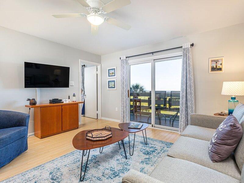 Ocean Views from private balcony, Community Pools, vacation rental in Daufuskie Island