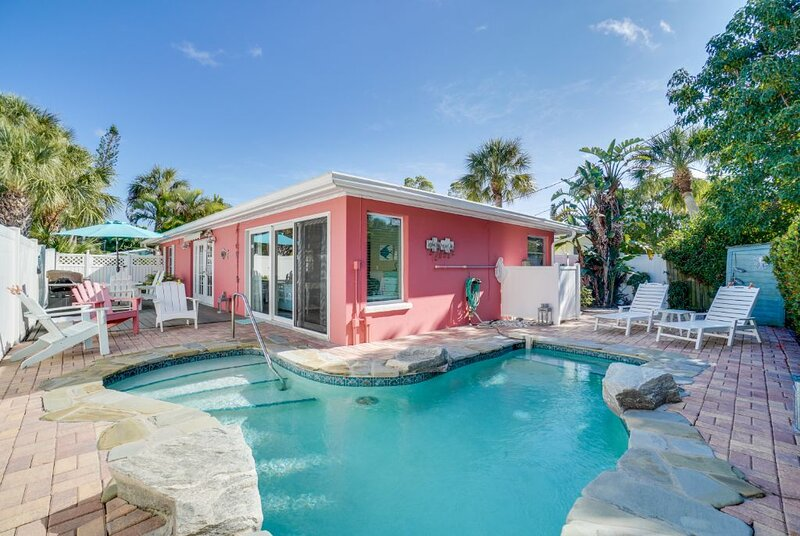 Modern Beach Cottage with Heated Pool  Close to Beach, holiday rental in Holmes Beach