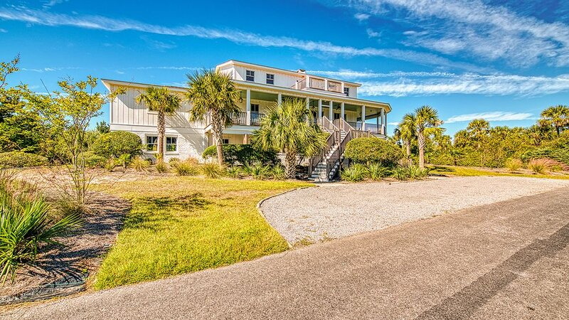 Celebrate the beauty of the beach in this luxurious second row home, holiday rental in Georgetown