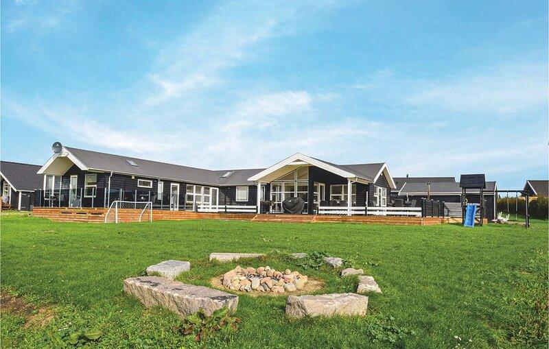 5 Zimmer Unterkunft in Rudkøbing, vacation rental in Vejstrup