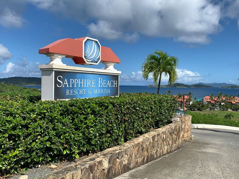 Sapphire Jewel VI - Beachfront Property, holiday rental in East End