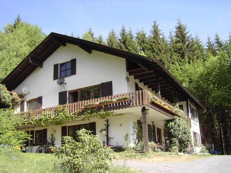 Ferienhaus Grümpel  Gem Steinberg für 1 - 12 Personen - Ferienhaus, holiday rental in Kronach