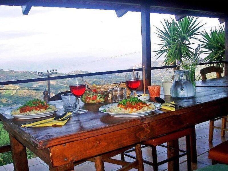 Ferienhaus Aiyion für 1 - 6 Personen mit 3 Schlafzimmern - Ferienhaus, holiday rental in Selianitika