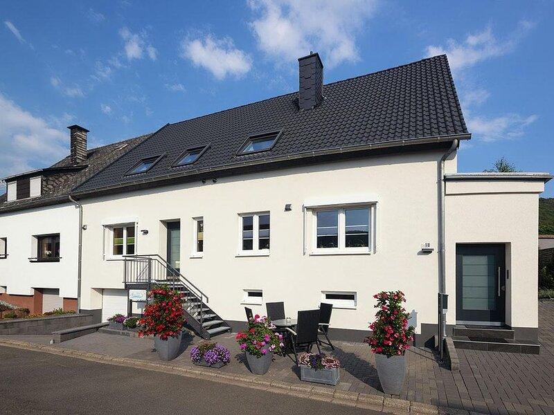 Ferienwohnung Wintrich für 1 - 3 Personen mit 2 Schlafzimmern - Ferienwohnung, aluguéis de temporada em Kowerich