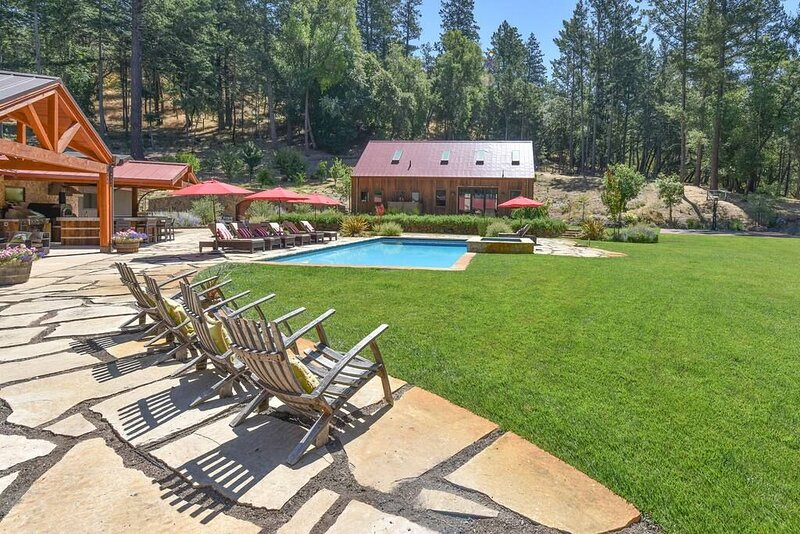 Relax in the most beautiful, secluded setting Sonoma County has to offer, vacation rental in Napa Valley