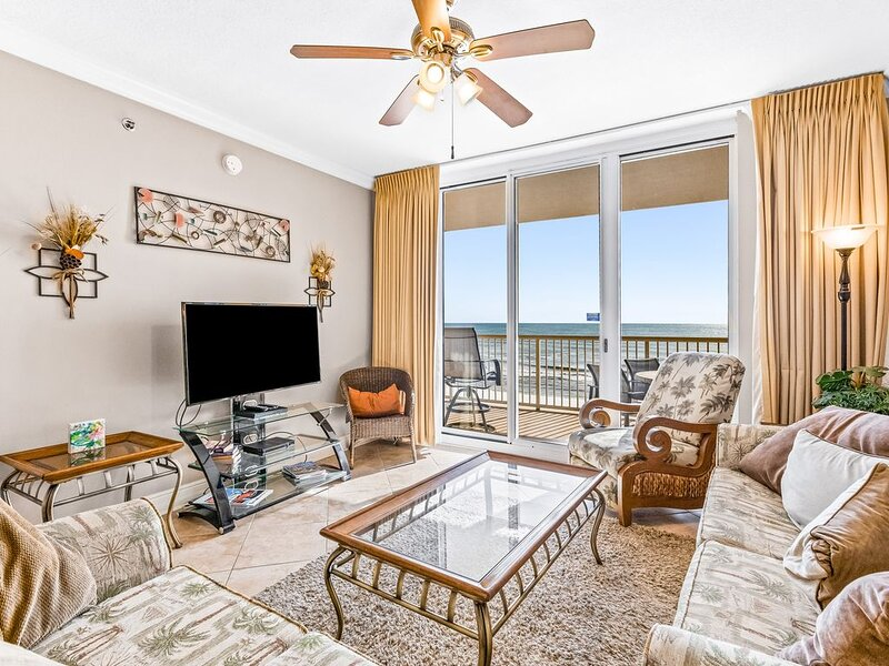 Pretty Gulf Front Condo! Fun Amenities, Nearby Shopping & Dining!, holiday rental in Fort Walton Beach