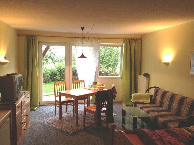 Barrierefreies und rollstuhlgerechts Appartement 30qm mit Terrasse, alquiler vacacional en Miltach