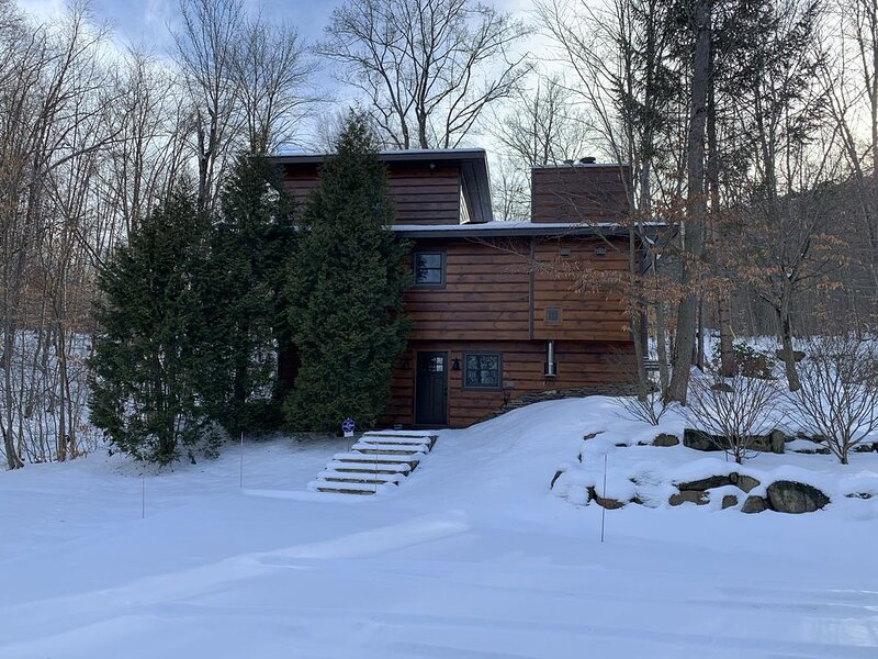 Myers - A Beautiful Chalet Nestled in a Secluded Setting!, alquiler vacacional en Great Valley