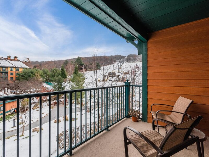 Pine Grove - #46 - Mountain Front-Skiing-Hiking-Wineries-WiFi-50 miles from NYC, Ferienwohnung in Vernon