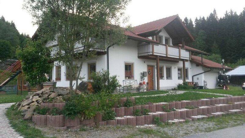 Ferienwohnung Haidmühle für 1 - 4 Personen - Ferienwohnung, location de vacances à Neureichenau