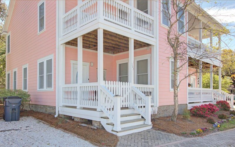 Priceless Paradise Townhome, vacation rental in Southport