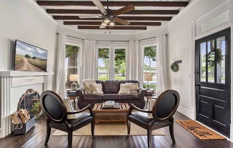 The Grove Cottage - Downtown Springdale, vacation rental in Springdale