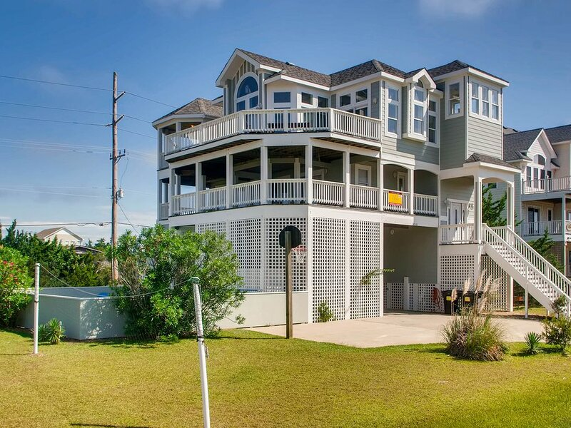 Epic Family Fun! Soundside w/Pool, Hot Tub, Game Rm, Cmty Boat Ramp/Sound Access, vacation rental in Waves