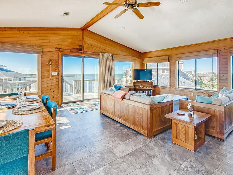 Surf-or-Sound-Realty-Afterglow-879-Great-Room-2