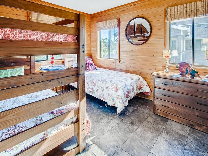 Surf-or-Sound-Realty-Afterglow-879-Bedroom-3