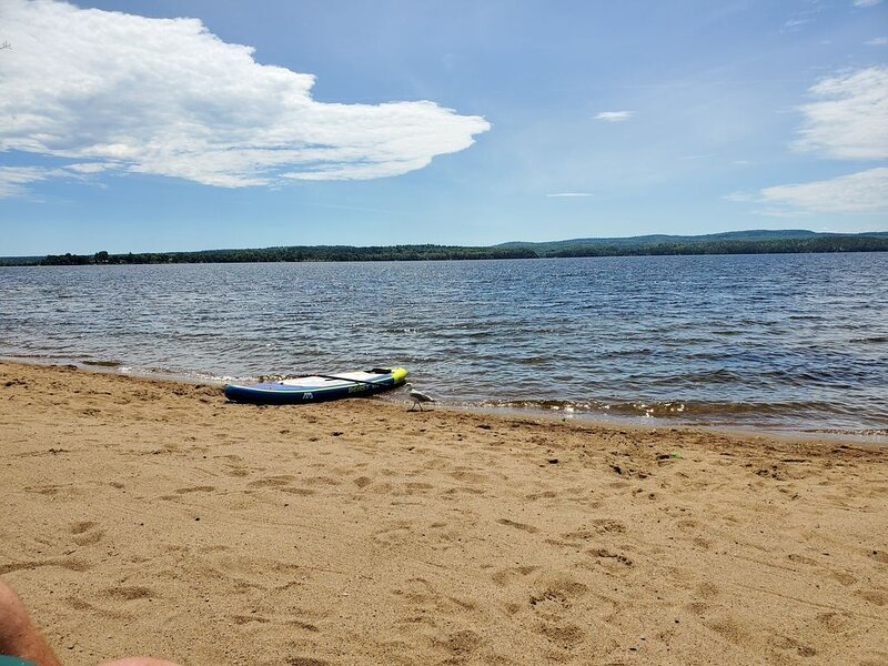Beach Cottage and Nature Lovers Delight, aluguéis de temporada em Madawaska