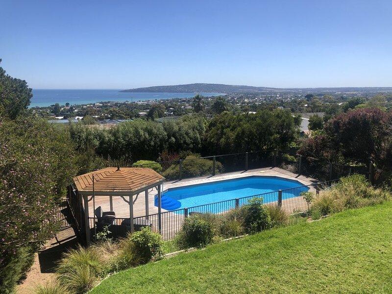 Dromana Bay Views Retreat, vacation rental in McCrae