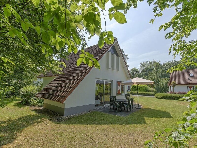 Komfort 6-Personen-Ferienhaus im Ferienpark Landal Landgoed Aerwinkel, vacation rental in Posterholt