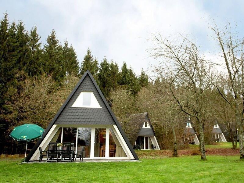 6-Personen-Ferienhaus im Ferienpark Landal Hochwald, holiday rental in Weiskirchen