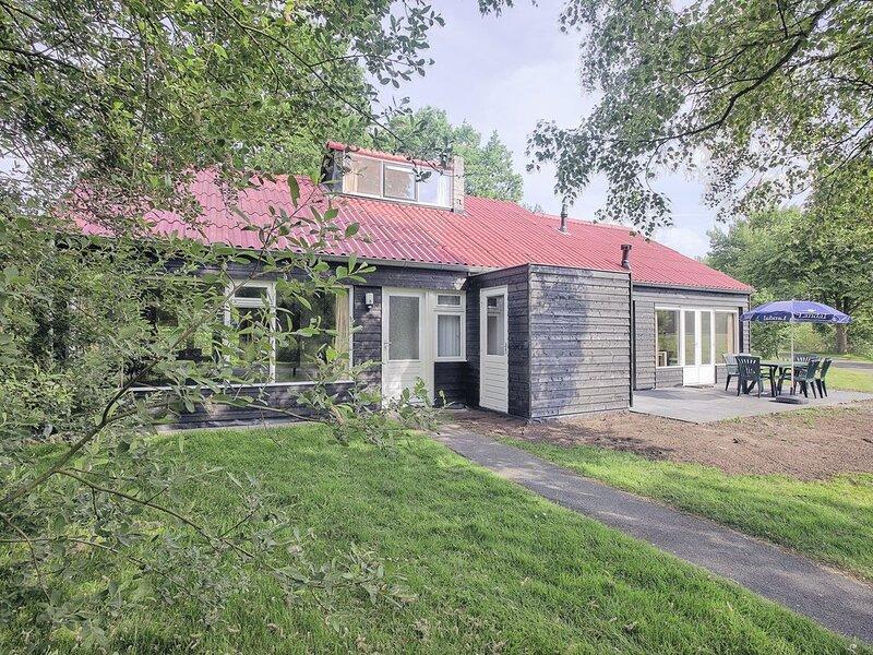 5-Personen-Ferienhaus im Ferienpark Landal De Bloemert, holiday rental in Muntendam