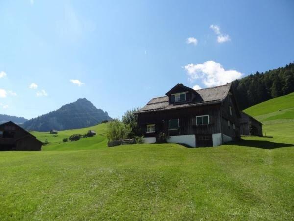 Ferienhaus Nesslau für 4 - 6 Personen mit 4 Schlafzimmern - Ferienhaus, aluguéis de temporada em Muhlehorn