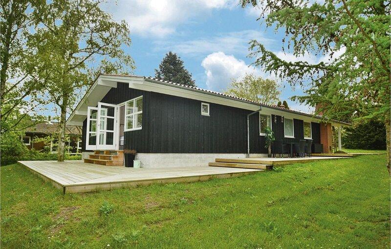 4 Zimmer Unterkunft in Stege, location de vacances à Bogoe