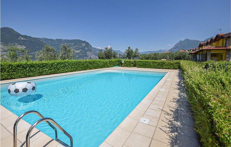 3 Zimmer Unterkunft in Siviano Monteisola BS, holiday rental in Peschiera Maraglio