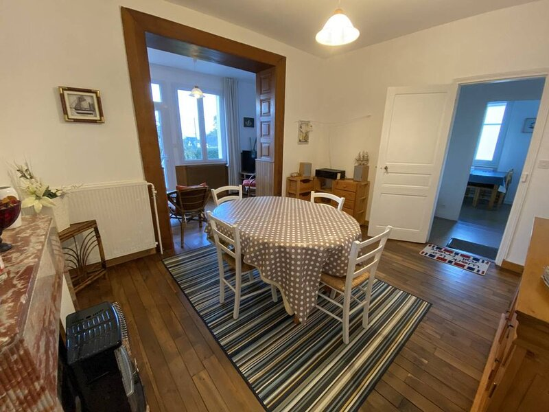 Agréable maison au calme, 2 chambres, 6 personnes, proche plage de la Pissotte à – semesterbostad i Saint-Cast le Guildo
