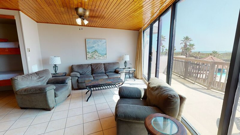 MP212: Beautiful Resort Condo, Heated Pool, Boardwalk, casa vacanza a Ingleside on the Bay
