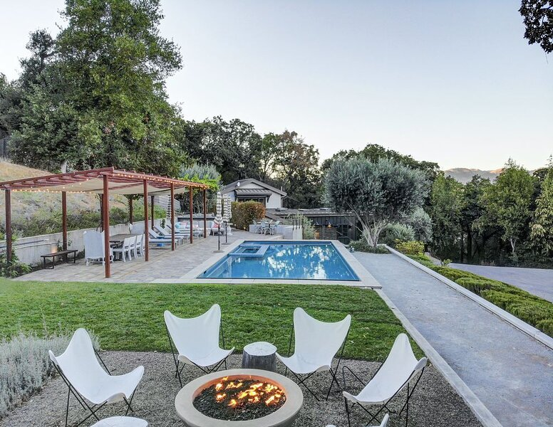 Private Glen Ellen Retreat with Pool & Hot Tub, location de vacances à Glen Ellen
