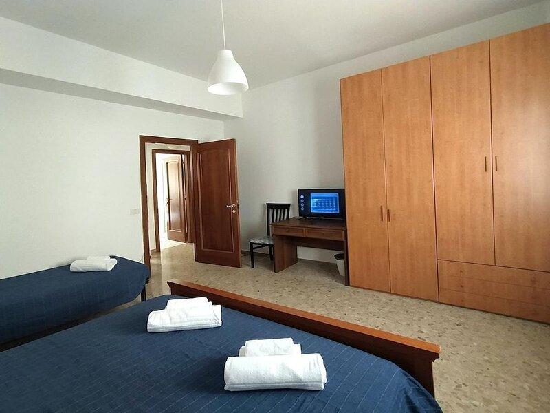 Ferienhaus Ancona für 1 - 5 Personen mit 2 Schlafzimmern - Ferienhaus, holiday rental in Torrette