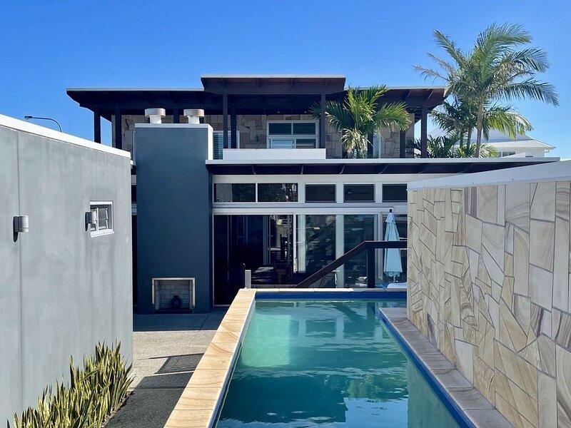 Aramoana Beach House at Casuarina EASTER DATES AVAILABLE ��, holiday rental in Duranbah