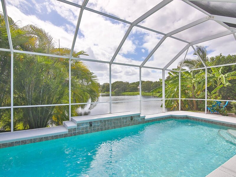 Turtle Cove! Southern Charm Meets Florida Elegance In This Newly Renovated Ho, holiday rental in Bradenton