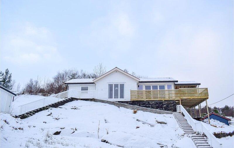 3 Zimmer Unterkunft in Skånevik, holiday rental in Vindafjord Municipality